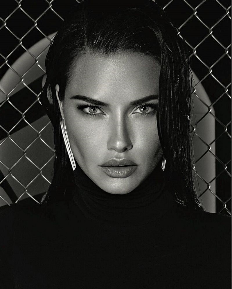 Numero Russia (#55): Adriana Lima (1)
